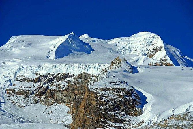 Expedition at the apex of Mera Peak