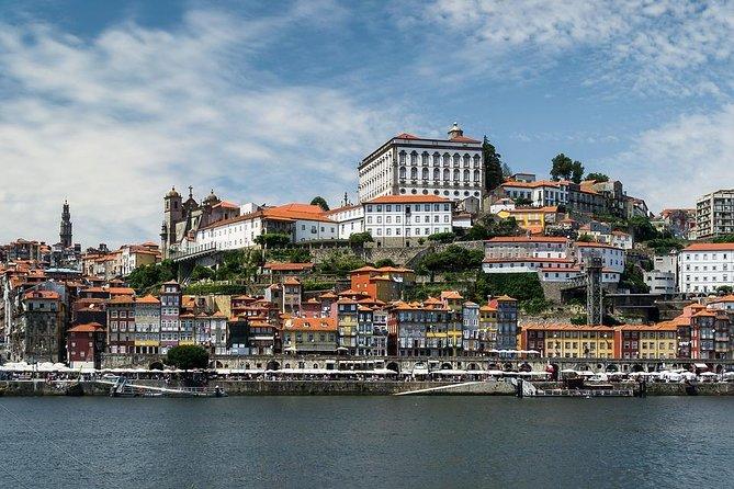 Del pasado a la arquitectura Pritzker - Porto Full Day (Tesla car)