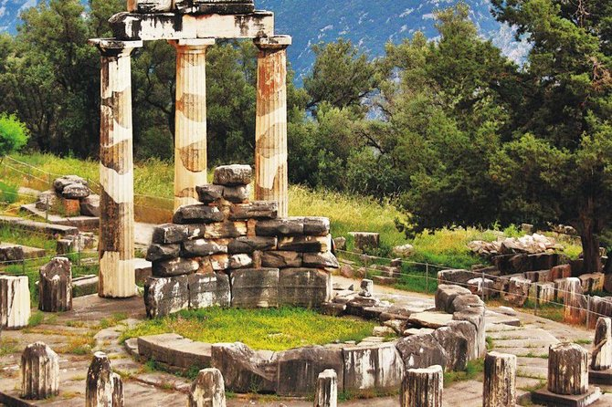 Full day visit to Delphi with lunch included