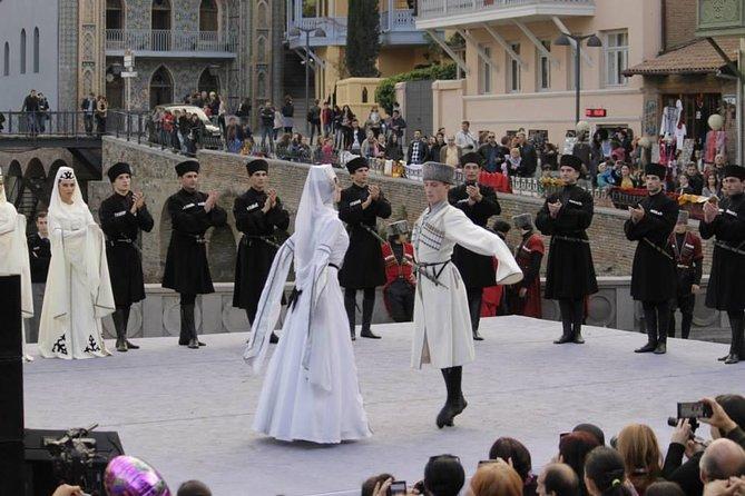 Weekend in Georgia - Delicious Georgian Wine and unforgettable folk Dance