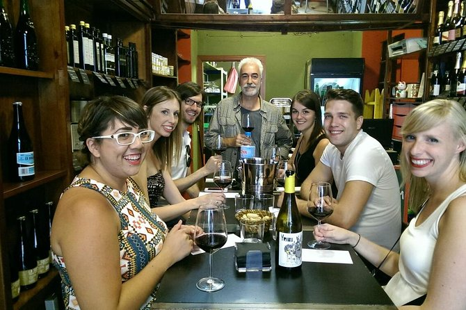 Private wine tasting with snacks in the historic centre of Valencia