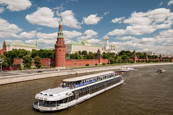 3 hour Cruise with Private Guide and Russian lunch onboard