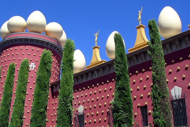 Museo Dali Barcelona.Dali Museum Tour By Rail From Barcelona With Girona Option 2019