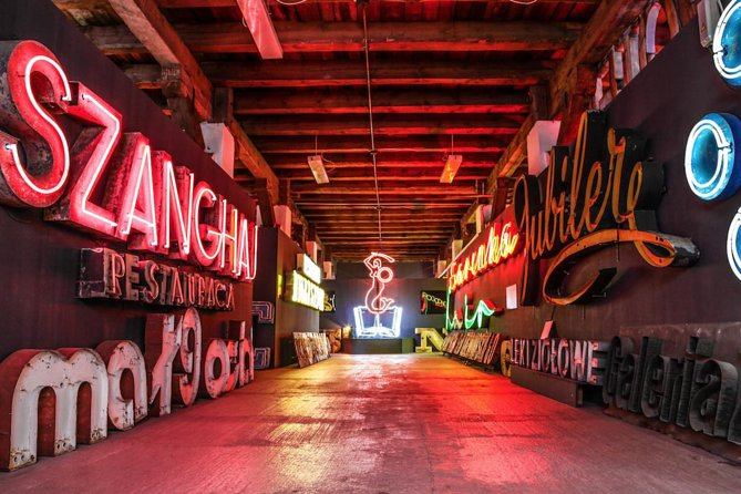 Skip the Line: Neon Muzeum Admission Ticket