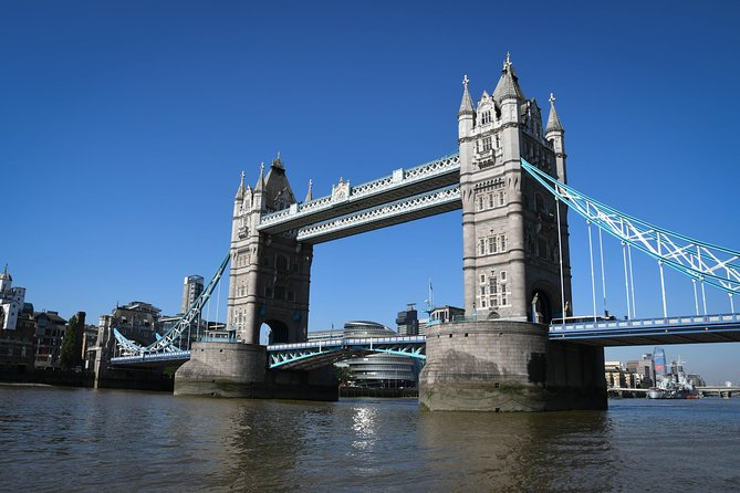 Explore Tower Bridge & London's Best Landmarks Tour