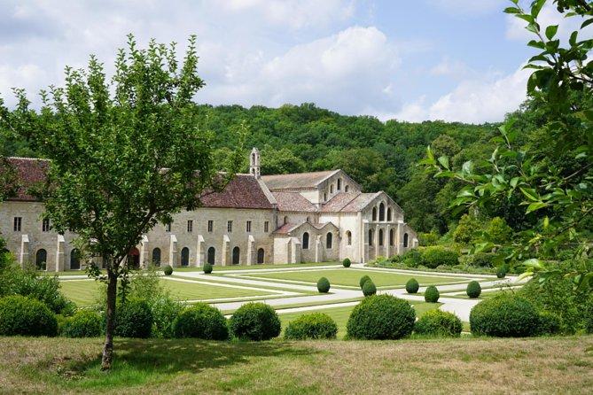 Skip the Line: Abbaye de Fontenay Admission Ticket