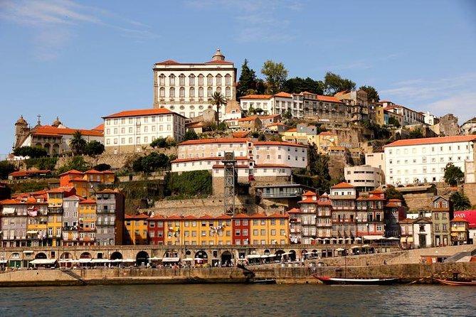 Porto City Tour Medio día con cena y espectáculo de fado en vivo