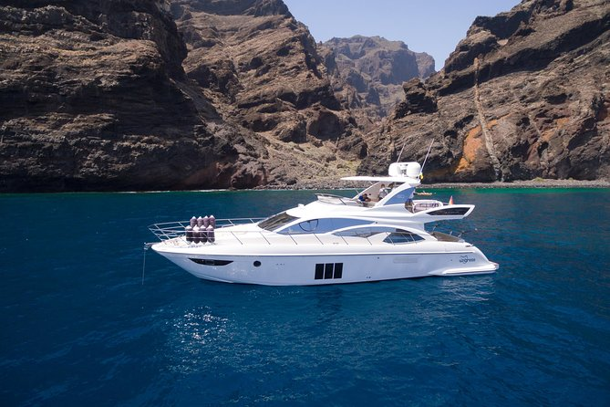 Tenerife Boat & Tigresa Yacht Offers Private Yacht Charters on a New Azimut 60
