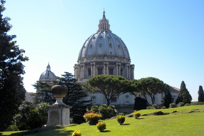 Vatican Skip-the-Line Tour Packages: Basilica, Sistine Chapel, and Vatican Museums from Rome