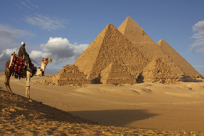 21 pyramids tour in Giza,Sakkara and Memphis day tour with an Egyptologist