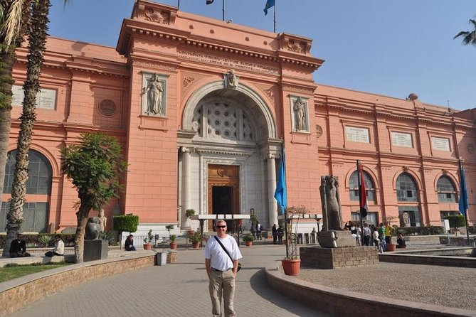 stopover tour to Giza pyramids,Sphinx and the Egyptian museum