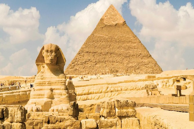 4 hours tour to the 9 Giza pyramids of Giza,Sphinx and the valley temple