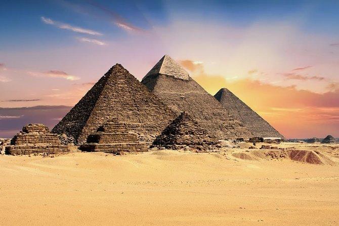 Pyramids & Egyptian Museum Day Tour