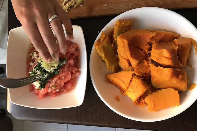 Learn to Cook Like a Local: Private Cooking Class in a Viña del Mar Home