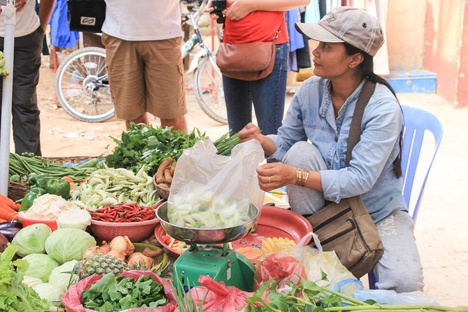Market Tour and Cambodian Cooking Class in Siem Reap with Private Transfers