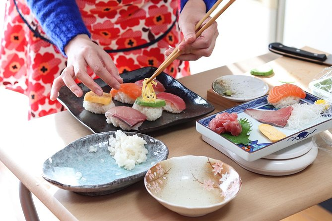 Sushi or Obanzai Cooking and Matcha with a Kyoto Native in her Home