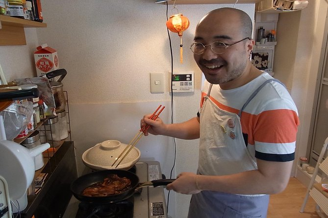 Enjoy a Japanese Cooking Class with a Humorous Local Satoru in his Tokyo Home