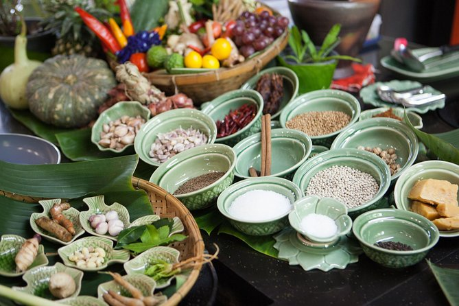 Private 6-Hour Thai Cooking Class With Boat Ride, Market Tour & Lunch or Dinner