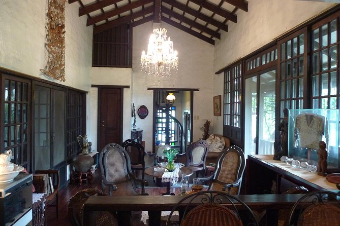 Private Dinner in a Local Home: Heritage Heirloom Filipino Cooking with a Historically-Minded Host in Quezon City