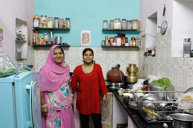 Private In-Home Dining Experience: Taste a Vegetarian Rajasthani Meal in a Local Udaipur Home