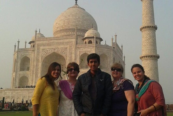 Overnight Agra Tour From Delhi with Sunrise and Sunset Tajmahal View