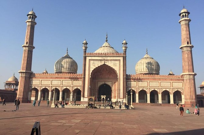 Old and New Delhi Heritage Tour Included Rickshaw Ride in Chandni Chock