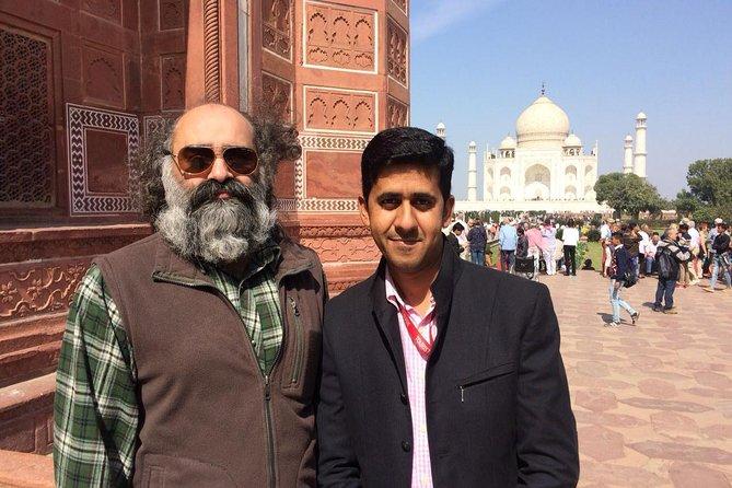 Day Trip to Taj Mahal - Agra Fort From Delhi By Car