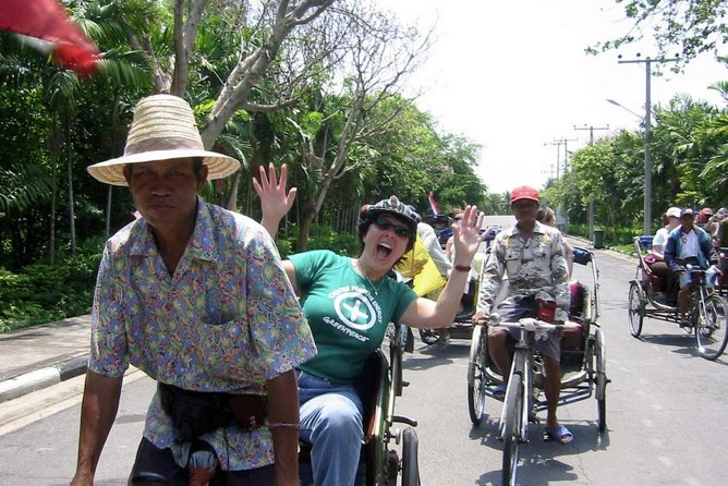 Bangkok Walking Tour Including Rickshaw Ride and Long-Tail Boat Ride