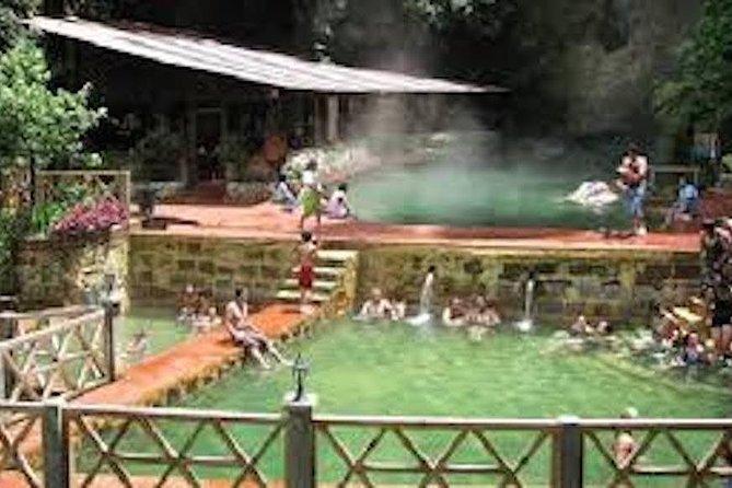 Quetzaltenango y aguas termales Fuentes Georginas desde Panajachel