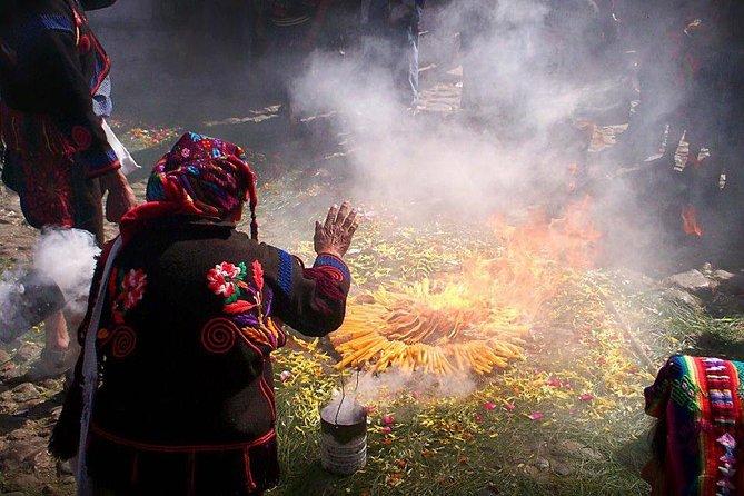 Lago de Atitlán: Ceremonia Maya en las Cuevas Sagradas