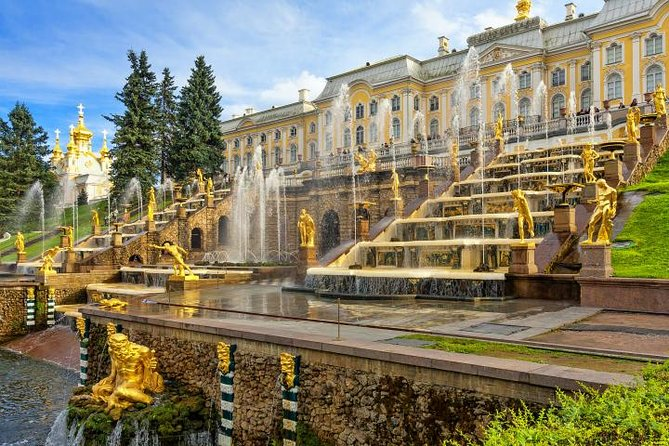 Private Imperial Residences Day Trip to Peterhof and Catherine Palace by Car