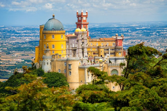 Full-Day Private Sintra Tour with Wine Tasting and Pena Palace
