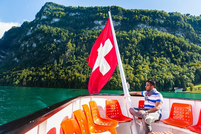 Lucerne Walking and Boat Tour: The Best Swiss Experience