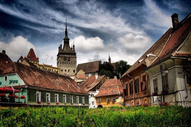2-Day Small-Group Tour to Dracula's Castle, Rasnov Fortress, Peles Castle, Sighisoara and Libearty Brown Bear Sanctuary with Overnight in Brasov