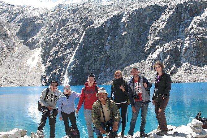 Caminata de día completo a la Laguna 69 en la Cordillera Blanca desde Huaraz, Perú