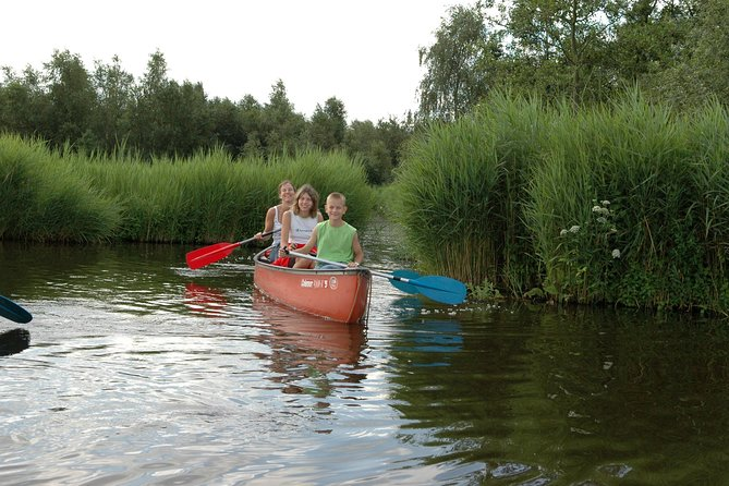Guided Canoe Adventure with Picnic Lunch in Waterland from Amsterdam
