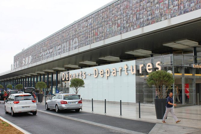 Private departure transfer from Paris to Paris Orly Airport