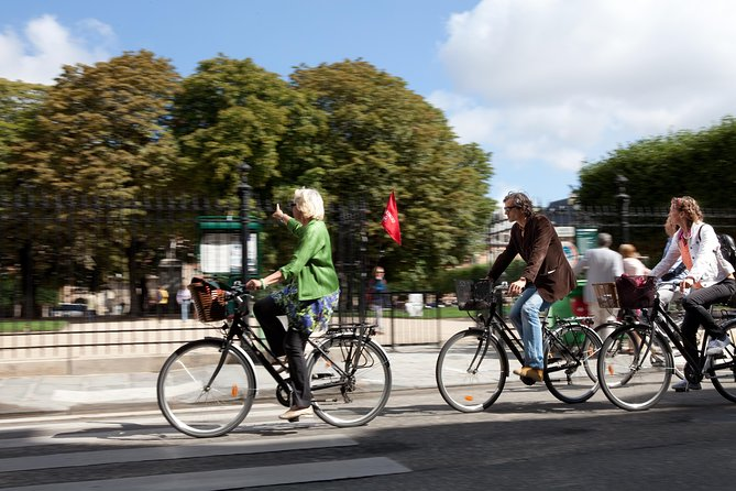 3 Hour Electric Bike Tour in Paris