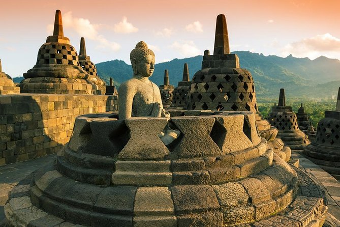 Yogyakarta Morning Tour: Sunrise Over Borobudur and Village Cycling with Lunch