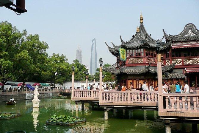 Private 2-Day Shanghai Highlight Tour Including Zhujiajiao Water Town