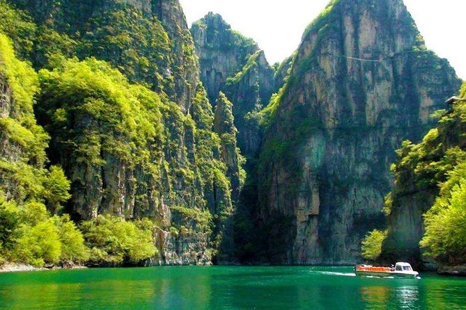Private Beijing Package Day Tour to Longqing Gorge