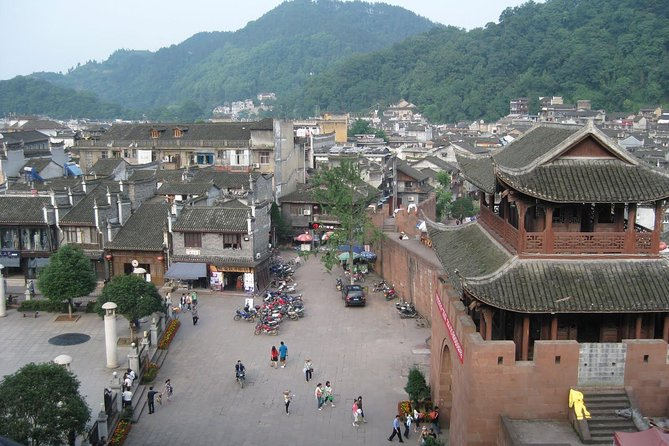 Private Day Tour: Tujia Etnisk Ancient Village of Shiyanping fra Zhangjiajie