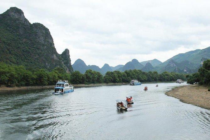 Private Guilin Tour of Li River Cruise and Yangshuo Sightseeing