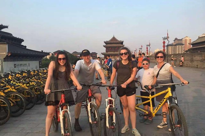 Xi'an Half-Day Experience: Walking and Biking Tour Around Ancient City Wall