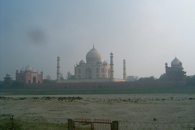 Private Full-Day All-Inclusive Tour of Agra with Visit to Taj Mahal