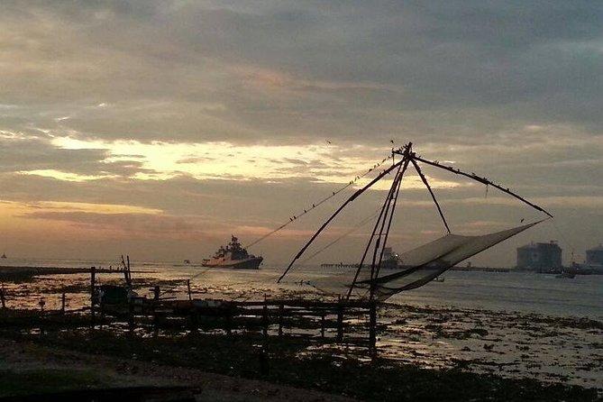 Tour Privado: Excursión de Kochi de un día completo que incluye redes de pesca chinas, sinagoga judía, palacio holandés y museo de folclore