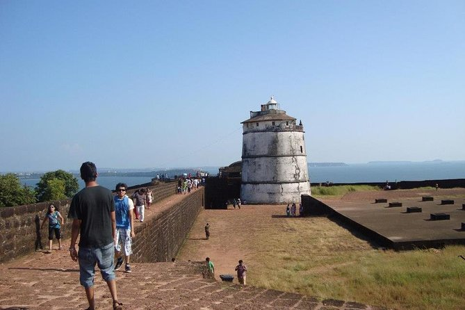Private Tour Goa Forts Aguada, Reis Magos Beaches with Guide and Entrances
