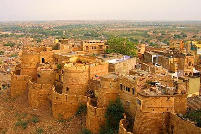 Private Transfer From Udaipur To Jaisalmer
