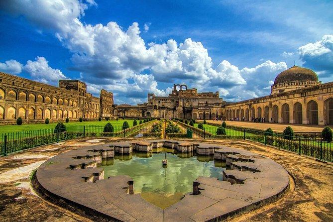 Tour a BIDAR: Fuerte, Palacios, Frescos, Azulejos y Necrópolis