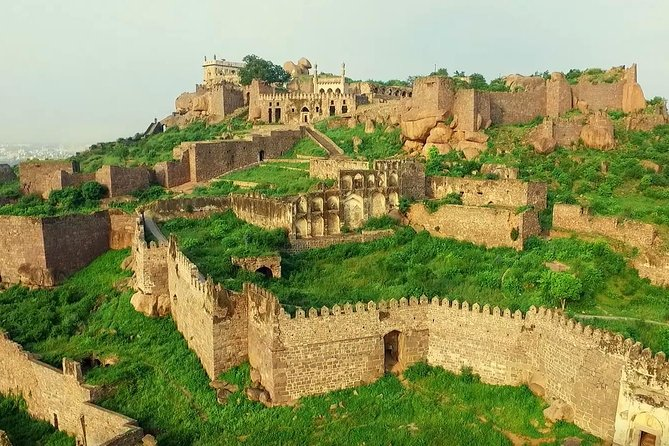 8Hr Historical Tour of Golconda Fort, Tombs & Old City tour of Hyderabad & Lunch